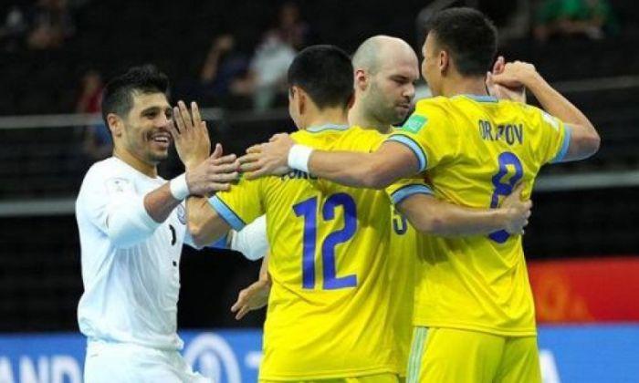 Сборная Казахстана досрочно вышла в плей-офф ЧМ по футзалу