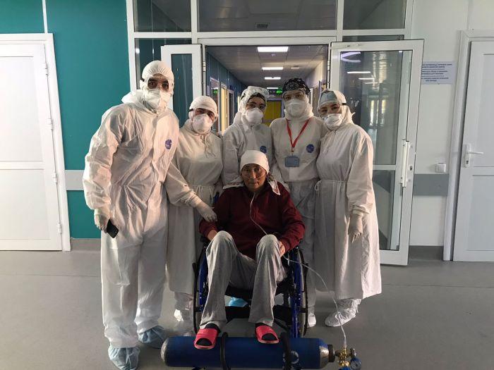 В Атырау медики вылечили пожилую женщину с тяжёлой формой СOVID-19