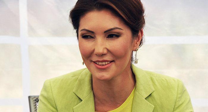 Дочь Назарбаева презентовала книгу в Алматы несмотря на запрет массовых мероприятий из-за карантина