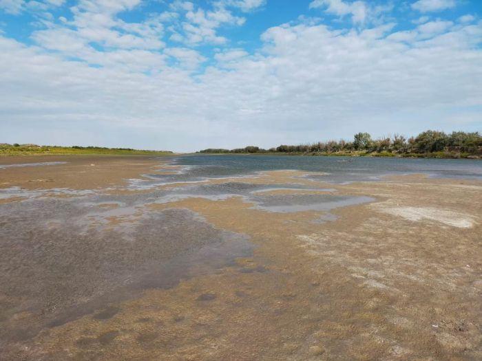 Река по колено: Урал теперь можно перейти вброд