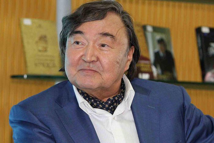 Сулейменов: Алма-Ата – это чисто казахское название, а суффикс «ты» в Алматы – китайский