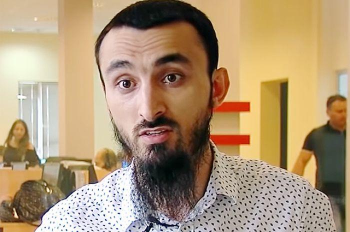 В Чечне к родственникам блогера Тумсо Абдурахманова пришли силовики и угрожали «кровной местью»