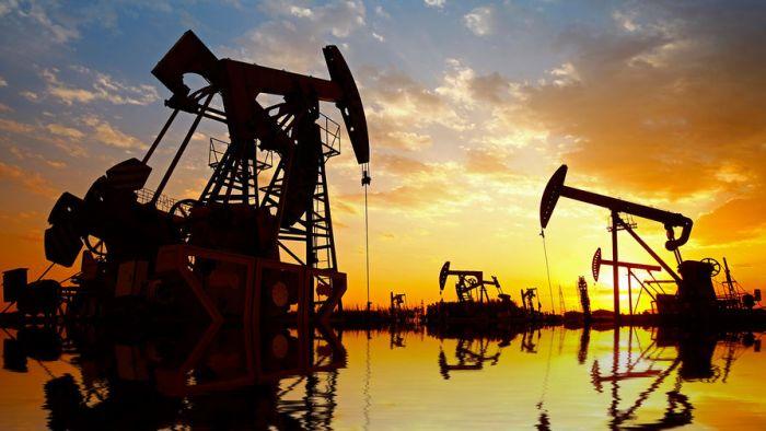 Нефть летит к $80 на рекордном сокращении мировых запасов