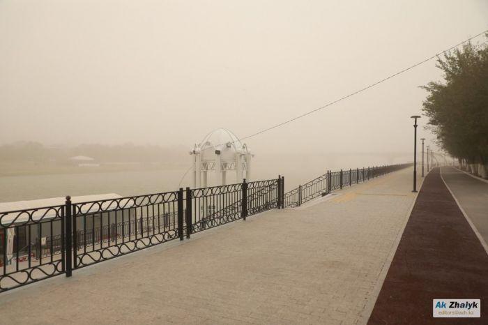 В Атырау ожидается пыльная буря
