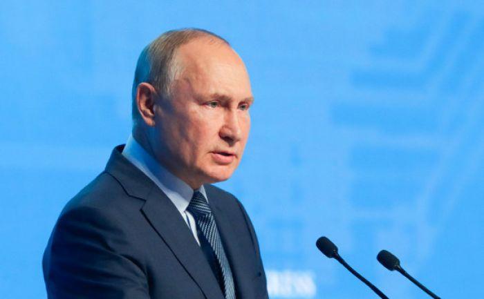 Путин призвал не перекладывать ответственность по газу «с больной головы»