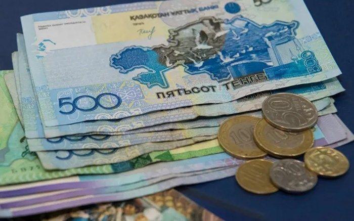 Ослабление тенге к рублю на фоне дорожающей нефти объяснили в Нацбанке